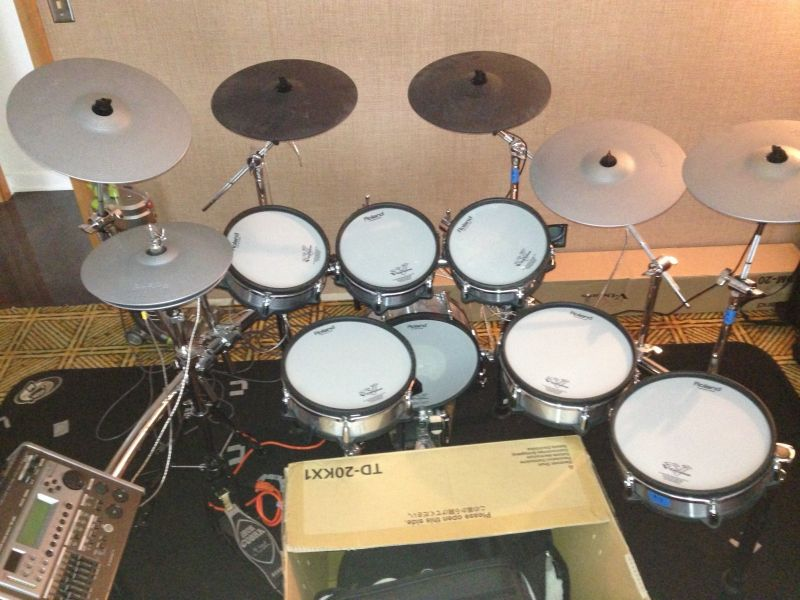 FOR SALE:  Roland TD-20SX V-Pro Drum Set----2500Euro