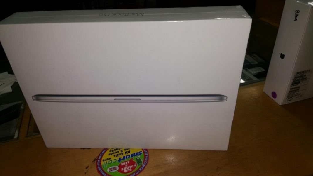 Neu MacBook Pro 15,4 Zoll 16gb Core i7 2016 Model