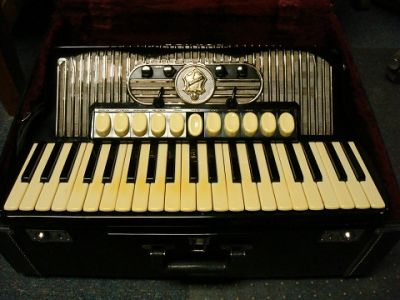 Hohner Gola 414 Accordion 1962