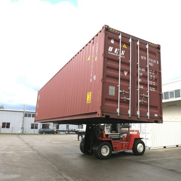 Reifencontainer / Seecontainer / Lagercontainer / Reifenlager